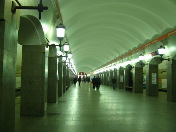 """Станция """"Достоевская"""" Петербургского метрополитена"""