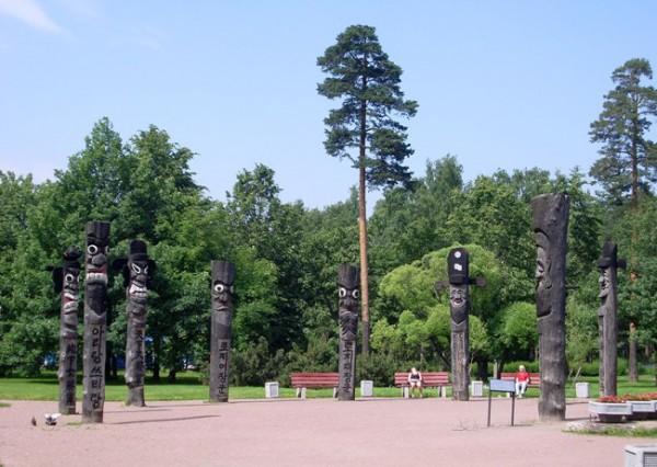 Скульптуры в парке Сосновка